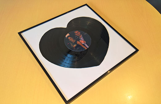 vinyl record heart main 600w